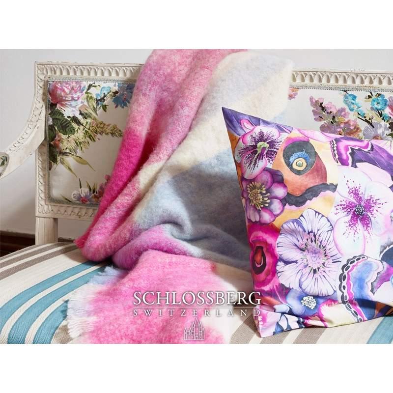 joy ist ein exquisites wohlf hl plaid f r die k hlere jahreszeit. Black Bedroom Furniture Sets. Home Design Ideas